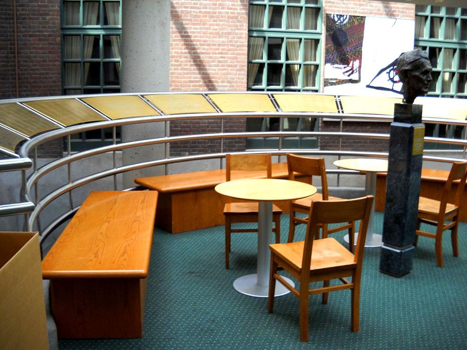 Emmanuel College Library Toronto Emmanuel College Library em