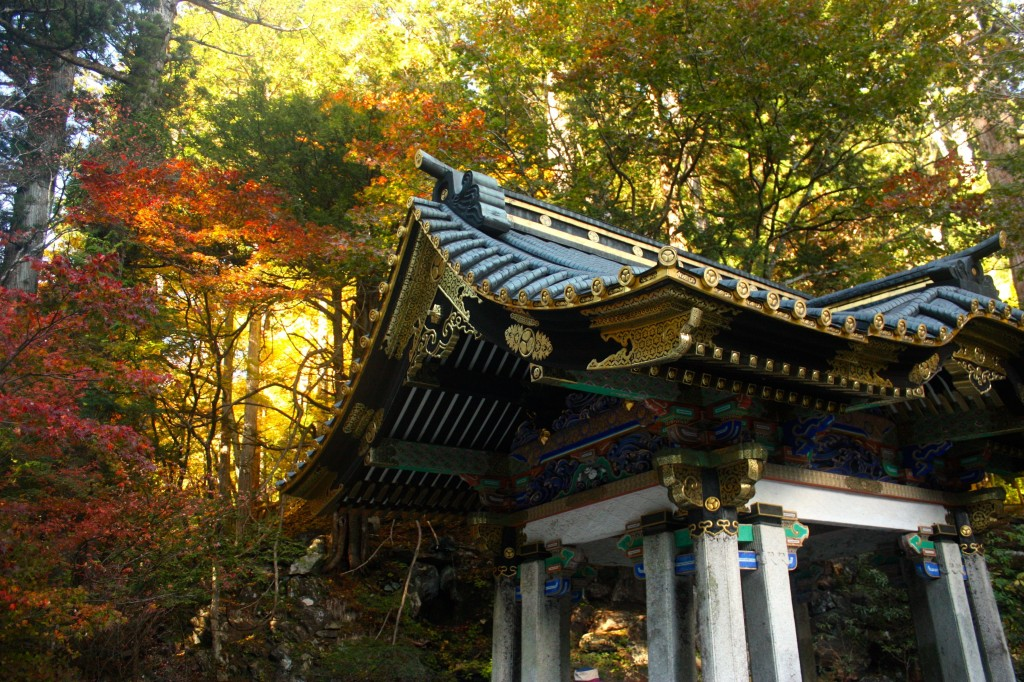 This image shows the pointed roof of a Japanese shrine