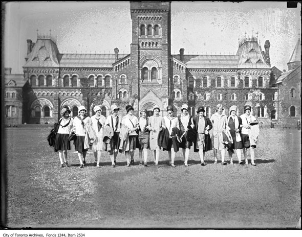 smiles and laughter on the King's College Circle lawn in 1928. Source: City of Toronto Archives http://www.blogto.com/city/2015/09/what_university_campuses_used_to_look_like_in_toronto/