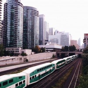 "ALT=""A GO train rolling into the station"""