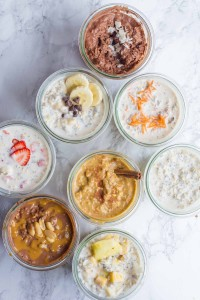Mason jars with different flavors of overnight oats are pictured.
