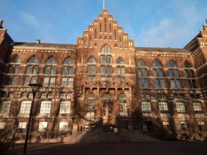 The last rays of sun hitting Lund University Library
