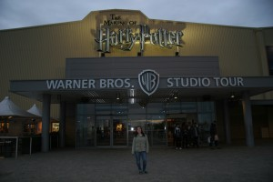 Picture of Liana in front of the Warner Brothers sign