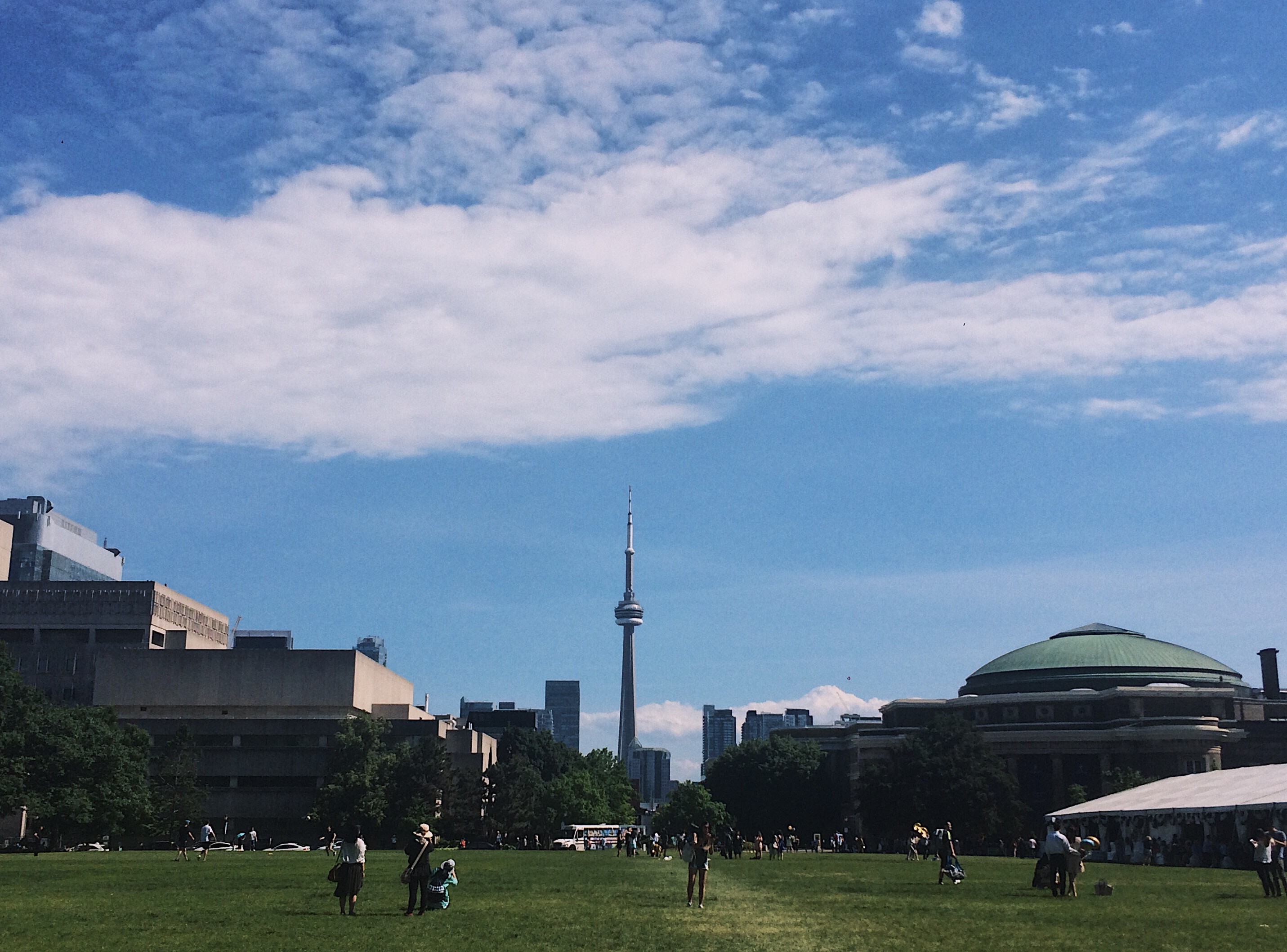 A picture King's Circle with CN tower
