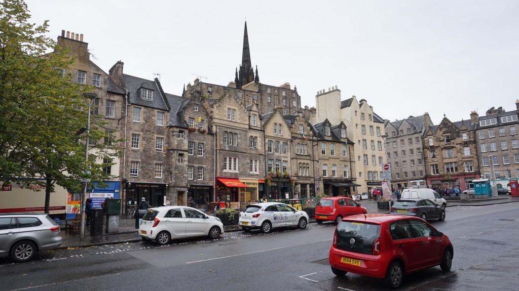Just your average street in Edinburgh, no big deal