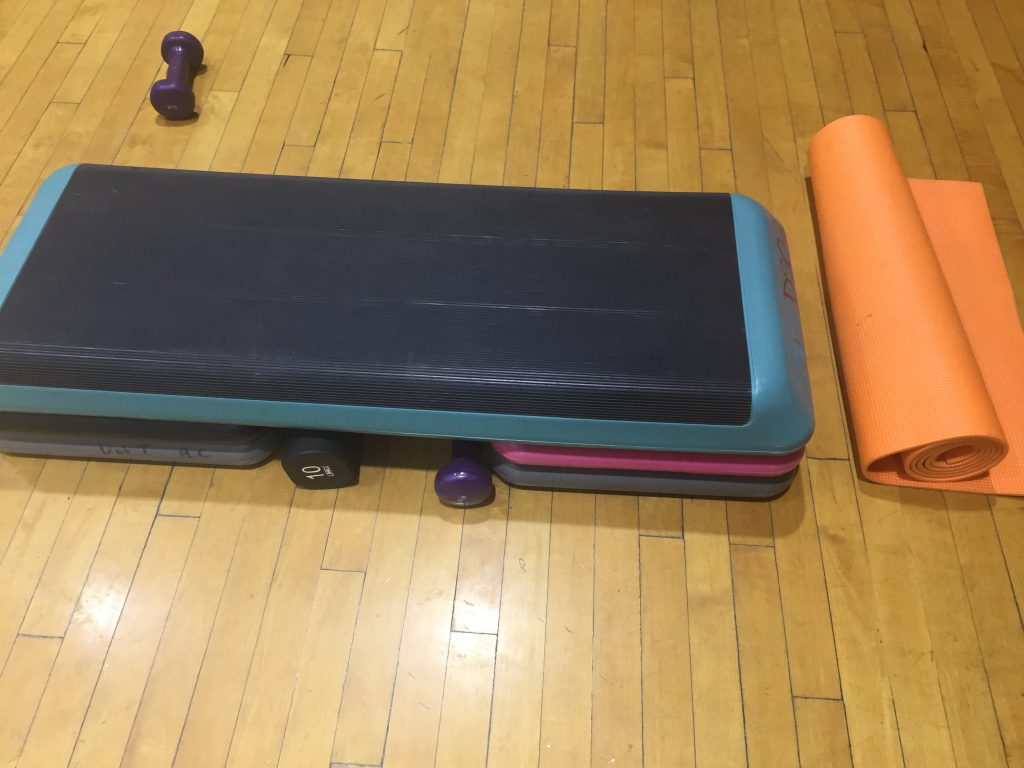 Image of the step box and a yoga mat
