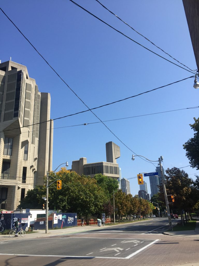 A picture of Robarts on the UofT Campus.