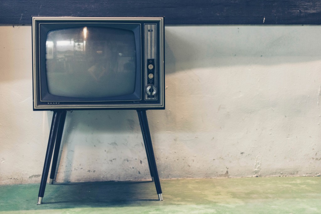 Picture of an old television set.