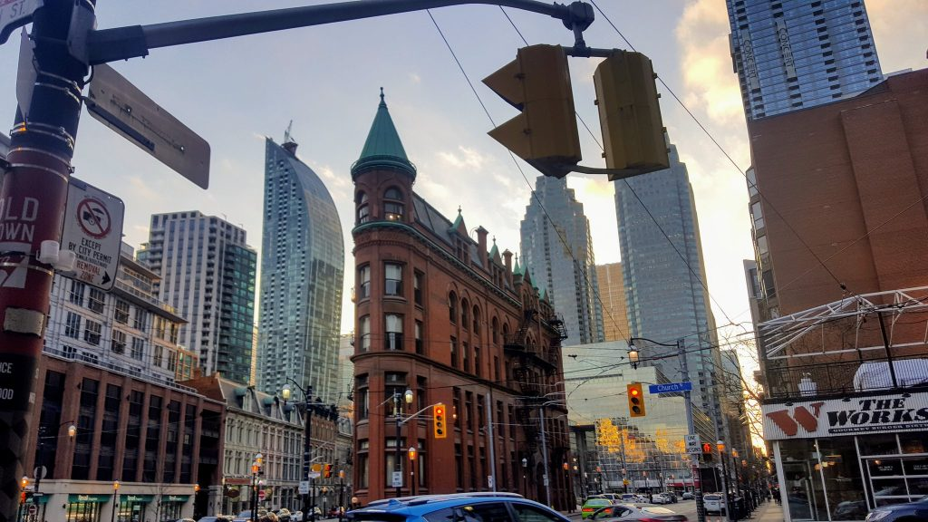 busy downtown toronto