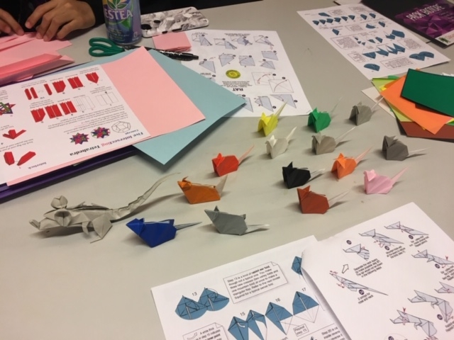 Picture of origami mice and a rat